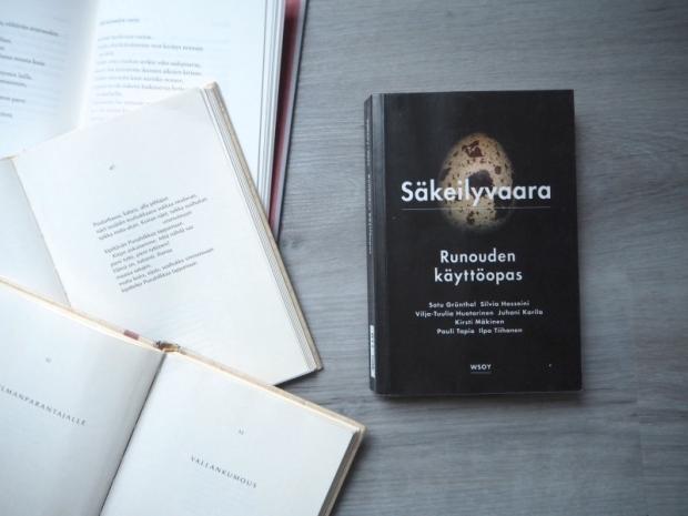 säkeilyvaara runouden käyttöopas kirjablogi arvostelu